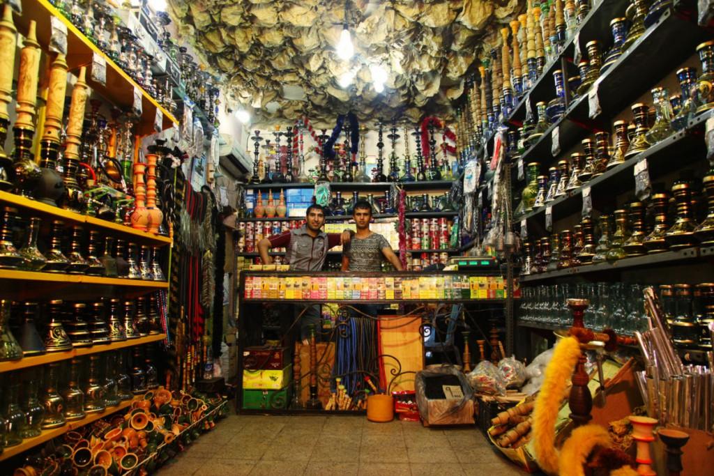 Ein Tipp zum Souvenir-Shopping: Wasserpfeifen-Shop in Ahvaz.