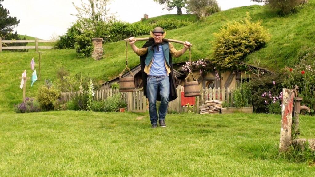 Inzwischen kann man sich das auenländische Hobbiton, das in der deutschen Übersetzung Hobbingen genannt wird, im Original angucken.