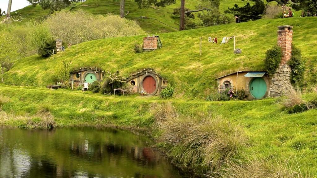 Als das Set 2011 für die Dreharbeiten zu »Der Hobbit« wieder hergerichtet wurde, entschied man sich dafür, dieses Mal etwas Dauerhaftes zu erschaffen.
