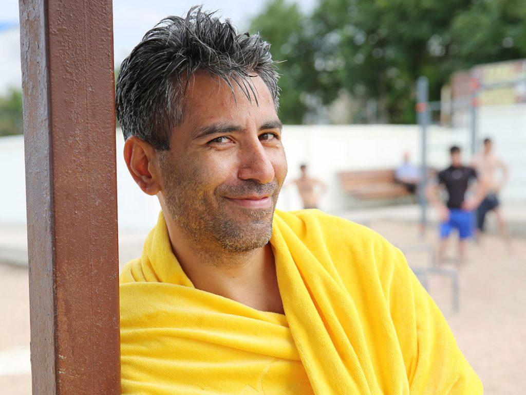 Gastgeber Renat hat drei Jahre in der Nähe von Düsseldorf gelebt. Manchmal spricht er eine sehr charmante Mischung aus Englisch und Deutsch. © gullivertheis.de