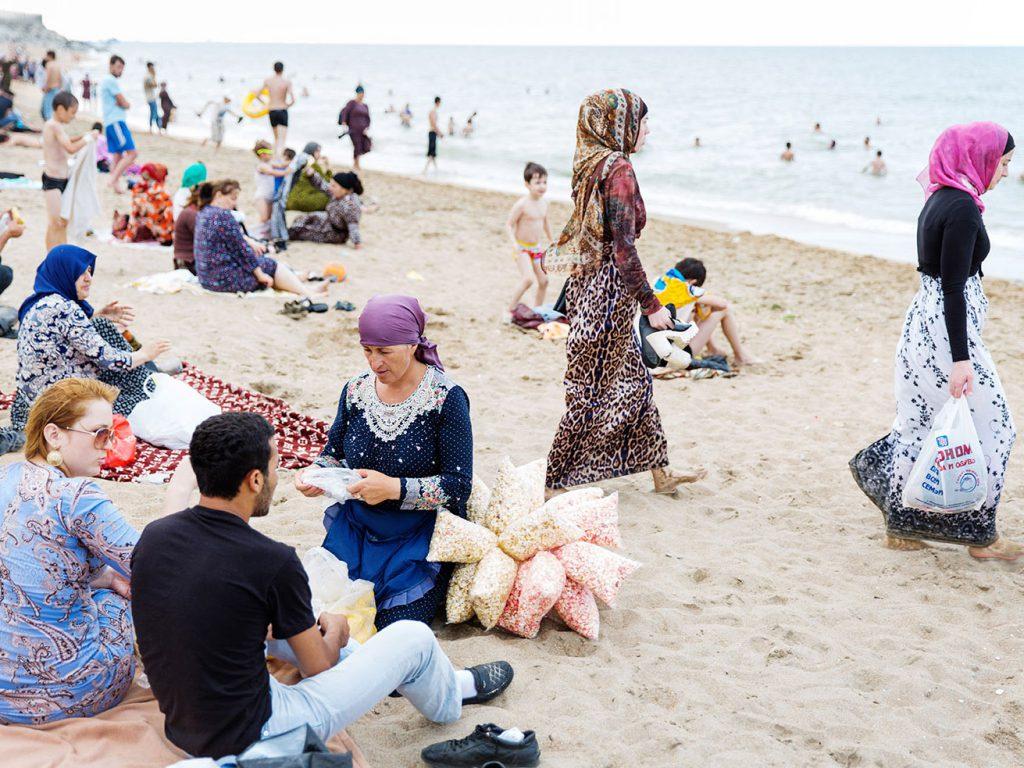Die Stadt am Kaspischen Meer hat offiziell 600.000 Einwohner. Touristisch spielt sie derzeit keine Rolle - die Außenämter der meisten westlichen Länder raten von einem Besuch ab, weil die Provinz Dagestan als Terrorismus-Keimzelle gilt.  © gullivertheis.de