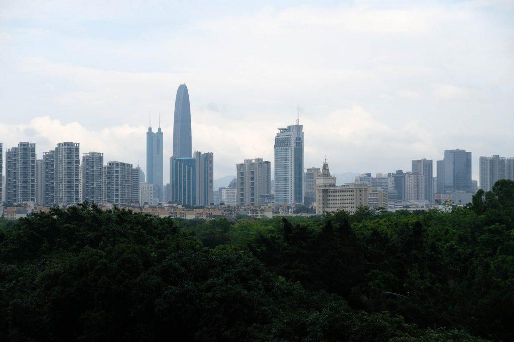 Meine erste Station in Festlandchina ist Shenzhen. Innerhalb von wenigen Jahrzehnten ist hier eine Hightech-Metropole entstanden, deren Besuch sich an manchen Orten anfühlt wie eine Reise in die Zukunft.