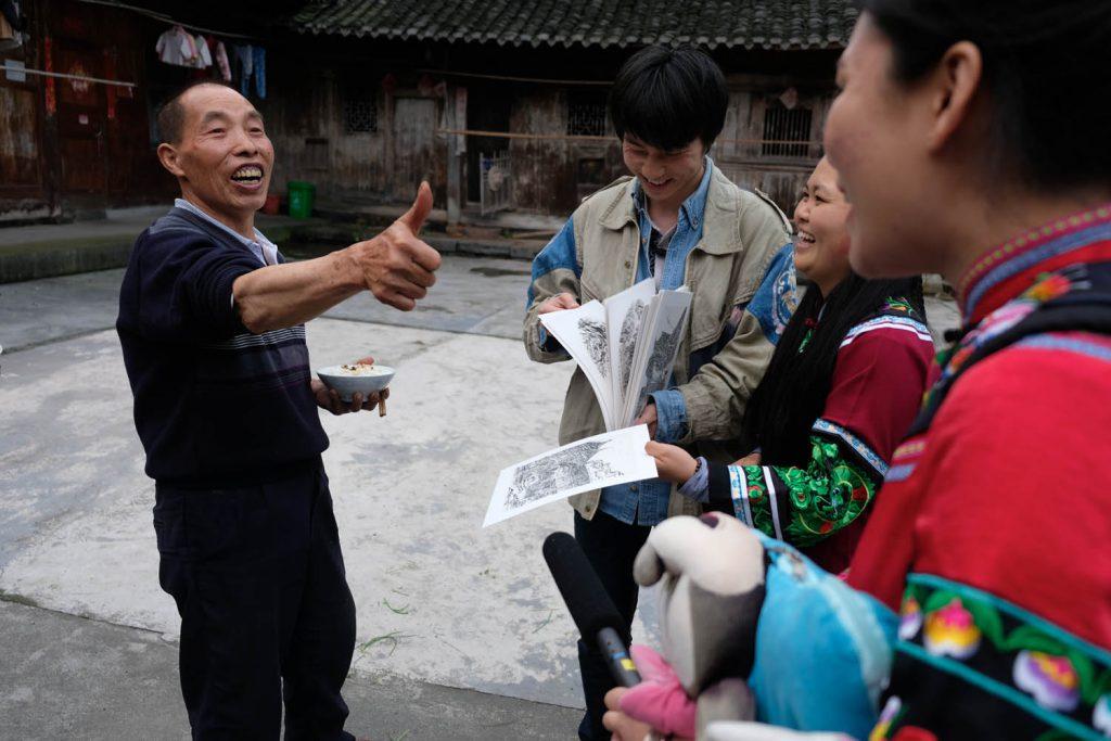 Als Couchsurfing-Gast bekam ich einen sehr unmittelbaren Eindruck vom Alltag der Menschen (im Bild: ein Dorf in der Hunan-Provinz, östlich von Zhangjiajie).