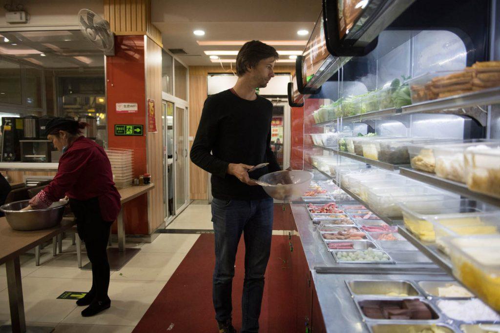 Sensationell ist das Essen: Ich hatte sowohl die großartigsten als auch die schlimmsten kulinarischen Erfahrungen meines Lebens in China, viermal war ich bislang dort.